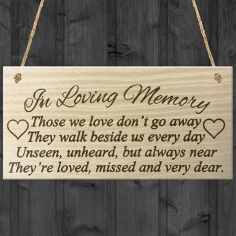 Every Memory Of Walking Out The Front Door In Loving Memory Rememberance Memoria Poem Wooden Hanging Plaque Gift Sign Ebay