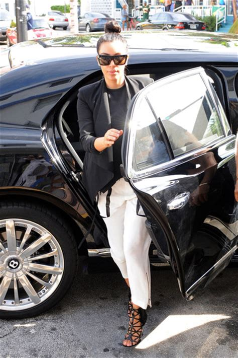 kris bentley heads back to miami in a mulsanne