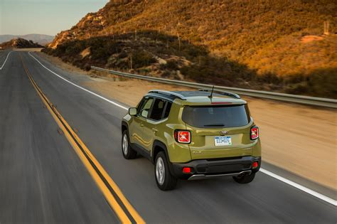 2015 Jeep Renegade Fuel Economy 2015 Jeep Renegade At 25 Mpg Combined 187 Autoguide