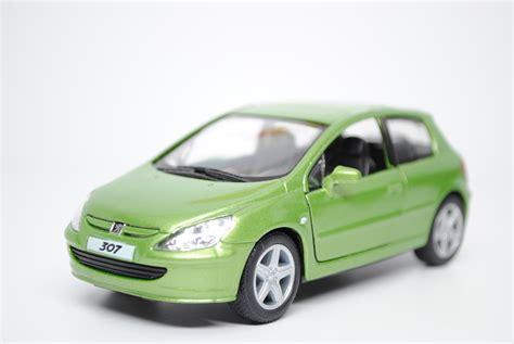 peugeot green kt5079 green peugeot 307 xsi 2001 1 32 kinsmart