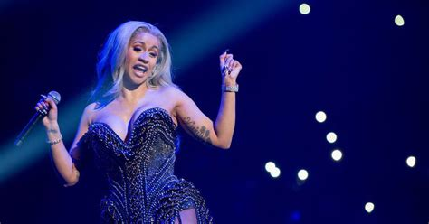 cardi b flashes fans cardi b got engaged onstage and fans are freaking out