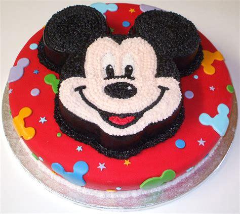 Esta Tarta Es Una Mezcla De Fondant Y Glaseado Real | mickey mouse tutartaideal