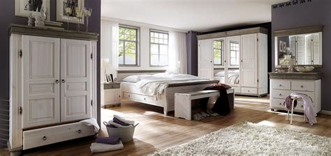 schlafzimmer im landhausstil landhausstil schlafzimmer grau rheumri