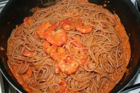 cuisiner gambas surgel馥s recette spaghettis aux gambas 750g