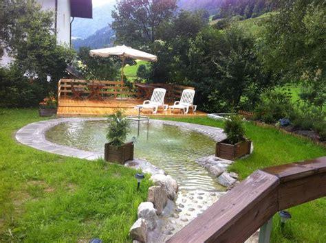 terrasse mit teich hotel sonja alles f 252 r den hund bei familie oberschmied