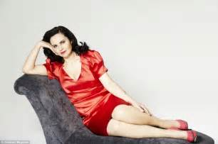 Chaise Lounge Fainting Couch The Ignominious Demise Of Caroline Flint The Honeyball Buzz