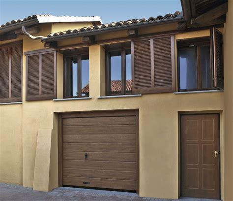 portoni sezionali dierre il portone sezionale garage con lo stesso rivestimento