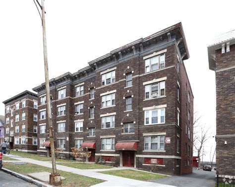 3 bedroom apartments for rent in springfield ma 56 60 fort pleasant ave springfield ma 01108 rentals springfield ma apartments