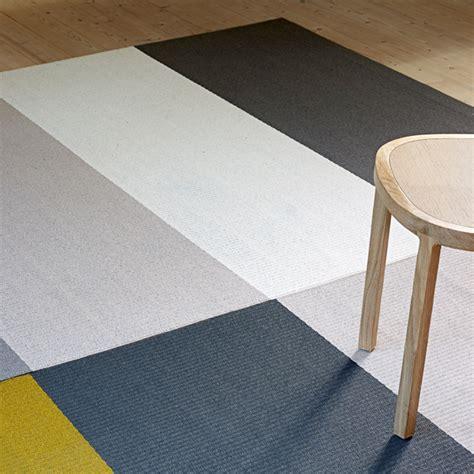 tappeto grigio chiaro woodnotes tappeto fourways antiscivolo grigio chiaro
