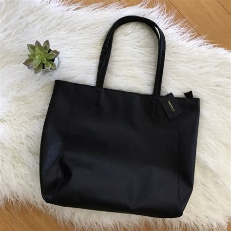 Could This Zip Shoulder Bag From Bulga Be The Next It Bag by 28 Forever 21 Handbags Forever 21 Black Tote Bag