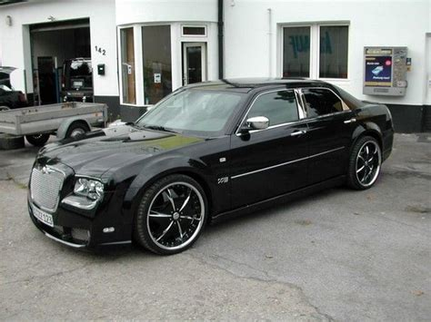 Chrysler 300 Custom Parts by Check Out Customized Allhotsuvs S 2007 Chrysler 300 Photos