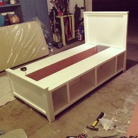 building  kids bed   diy twin bed frame ideas