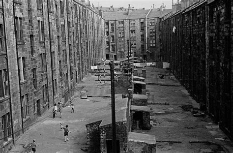 Powerful Photos Of Glasgow Slums 1969 72   Flashbak