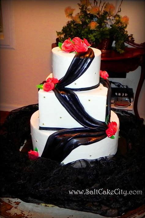 Piping And Draping For Weddings Salt Cake City Black Draping Amp Red Roses Wedding Cake