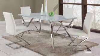 Contemporary Glass Dining Room Tables 3 Most Common Ways To Consider Before Choosing The Right