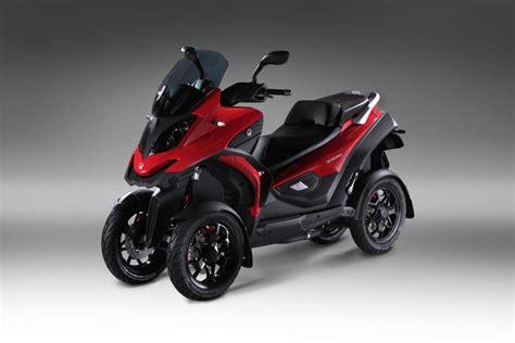 Motorrad Mit Vier R Der quadro bringt roller mit vier r 228 dern magazin von auto de