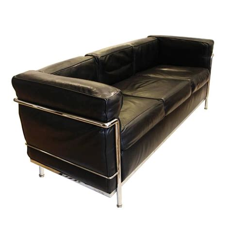 Le Corbusier Leather Sofa Vintage Le Corbusier Lc2 Three Seat Leather Sofa By Cassina At 1stdibs