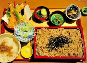 popular japanese food zaru soba