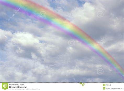 heldere regenboog stock foto afbeelding 747440