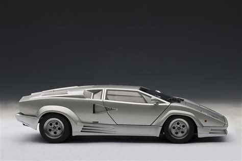AUTOart: Lamborghini Countach 25th Anniversary Edition