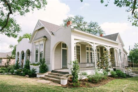 fixer upper house fixer upper season 1 episode 12 the 5th street story