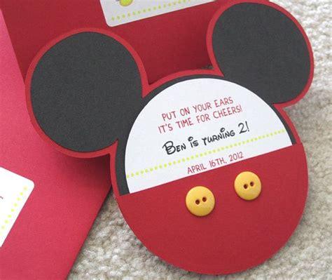 mickey mouse clubhouse schlafzimmer ideen 220 ber 1 000 ideen zu mickey mouse einladung auf