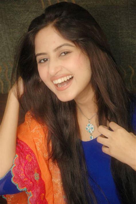 sajal ali family pakistan model sajal ali fashion