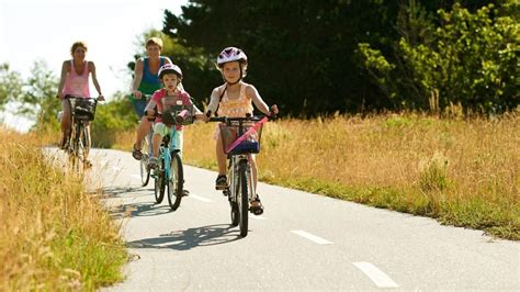 Online Planner Free family cycling holidays child friendly cycling denmark