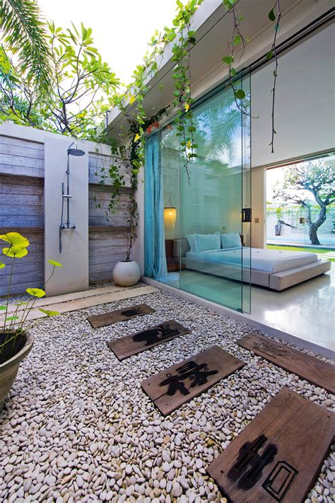 outdoor badezimmer the ultimate outdoor bathroom guide completehome