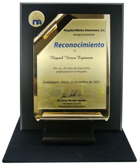 ejemplos de placa de reconocimiento institucional reconocimiento pergamino placa sublimada medallas aurum