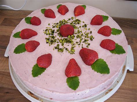 gänseblümchen kuchen pin erdbeerkuchen mit quark und g 195 194 182 tterspeise on