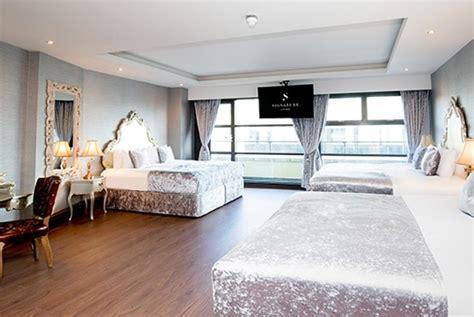 stylish liverpool group accommodation smirnoff room