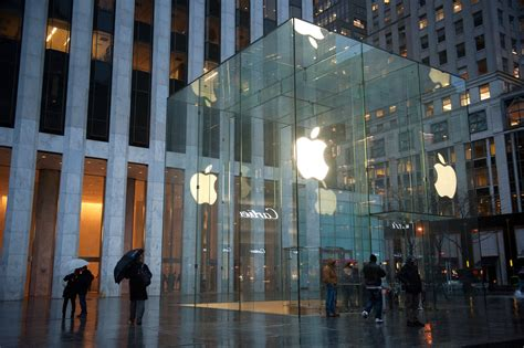 apple store to and i it apple will rebuild iconic glass cube store on 5th avenue