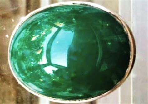 Senter Paling Mahal berburu batu cincin paling mahal sedunia