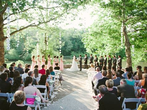 12 Ohio Woodland Settings for a Natural Wedding   Tying