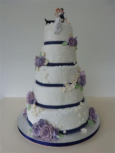 Englische Hochzeitstorten by 220 Ber 1 000 Ideen Zu Lila Hochzeitstorten Auf