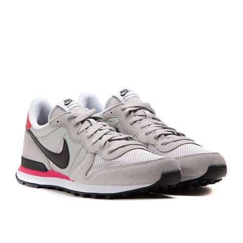 Nike Internationalist Grey Black nike internationalist neutral grey black infrared 631754 006