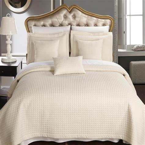 Luxurious Grace 100 Microfiber Bed Luxury Microfiber Coverlet Elegantlinensanddecor