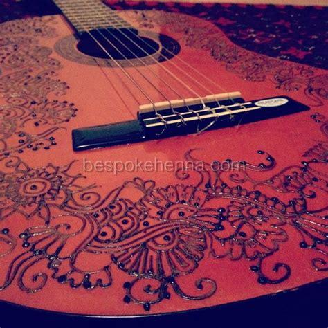 henna design guitar henna mehndi art on guitar henna mehndi art