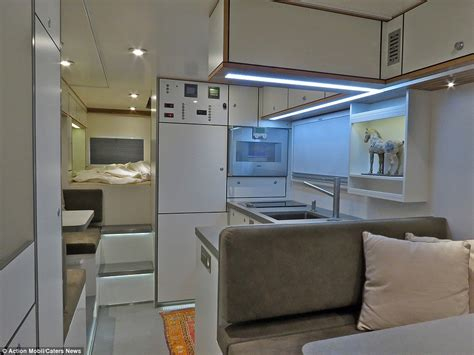 Giraffe Bedroom Action Mobil Global Xrs 7200 Is Ideal For People Who Like