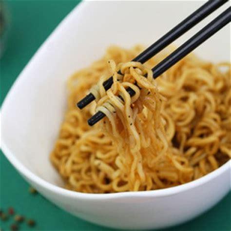 cuisiner nouilles chinoises nouilles chinoise ingr 233 dient cuisine ta m 232 re