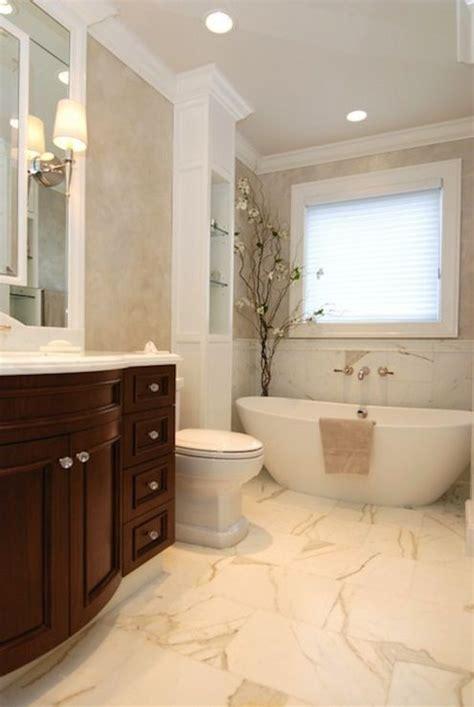 Calcutta Marble Bathroom by 25 Best Ideas About Calcutta Marble On