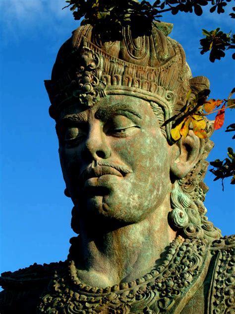 garuda wisnu kencana statue  screfeel  deviantart