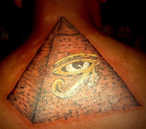 tattoo eye pyramid pyramid eye of ra shahs tattoo studio and piercing
