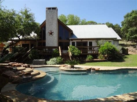 canyon lake house rentals family escape in the hill country canyon lake home vacation rentals cooking