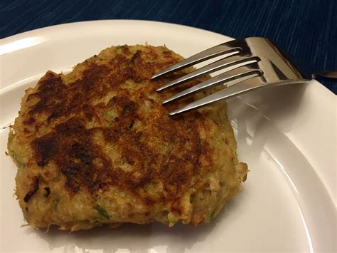 easy crab cake recipe how to make crab cakes that don t fall apart easy recipe