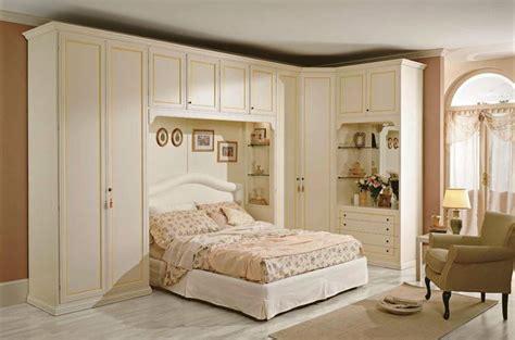 armadi moderni per camere da letto armadi per camere da letto classiche consigli armadi