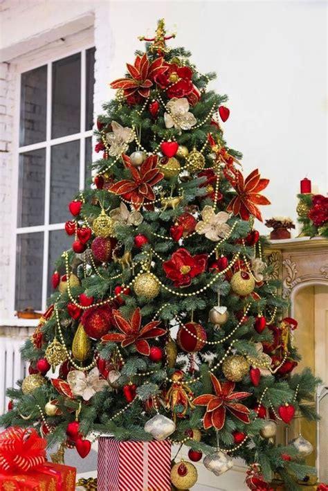 arbol de navidad dorado m 225 s de 25 ideas incre 237 bles sobre 193 rbol de navidad dorado