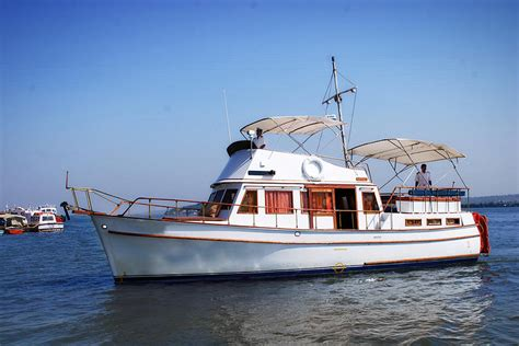 yacht goa classic motor yacht goa day night cruise
