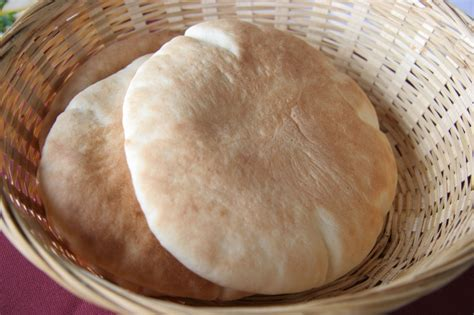 Pita Handmade - pita bread recipe evernewrecipes